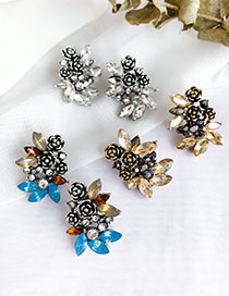 Fashion Color Alloy Stud Earrings With Diamonds