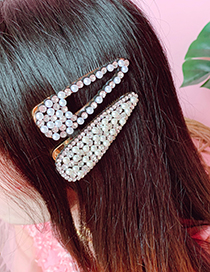 Fashion Hollow Alloy-studded Duckbill Hair Clip