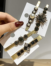 Fashion Square Pearl And Diamond Flower Alloy Hairpin Set