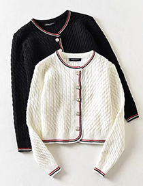 Fashion White Round Neck Knitted Cardigan With Gold Buckle Twist