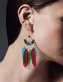 Fashion White Scalloped Alloy Feather Drip Earrings
