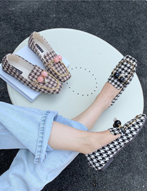 Fashion Brown Small Black Leather Shoes With Metal Chain Square Toe Mid-mouth Check Pattern