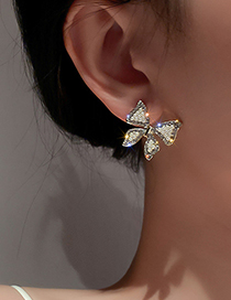 Fashion Gold Color Pearl And Diamond Butterfly Earrings