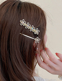 Fashion Gold Color Two-piece Set Of Diamond And Pearl Flower Hairpins