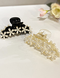 Fashion White Pearl Flower Catch Clip