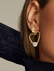 Fashion Golden Heart-shaped Cutout Earrings With Pearls