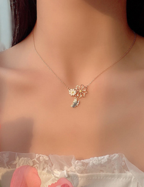 Fashion Golden Butterfly Flower Necklace