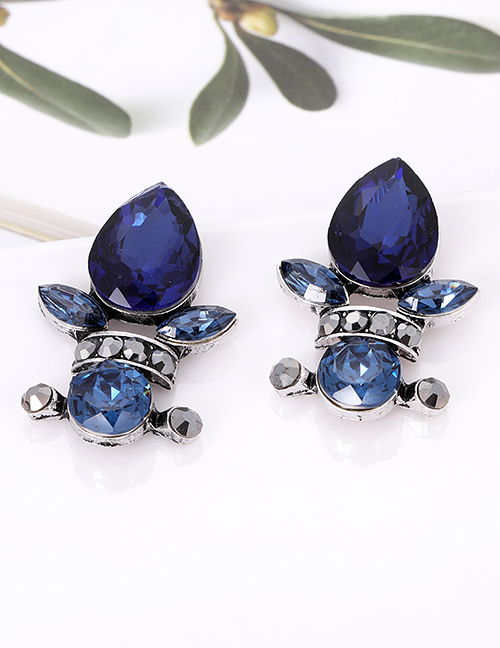 Fashion White Waterdrop Shape Decorated Earrings