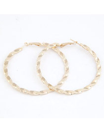 Flirty Gold Big Circle Shape Design