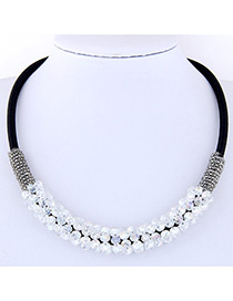 Elegant White Round Shape Decorated Necklace