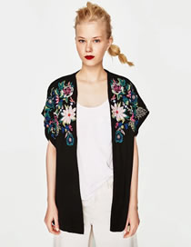 Fashion Black Embroidery Flower Decorated Color Matching Coat