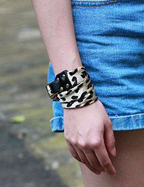 Trendy Coffee Buckle&rivet Decorated Simple Bracelet