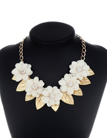 Exaggerate Beige Flower Shape Decorated Necklace
