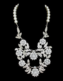 Trendy White Pearls&flower Decorated Simple Necklace