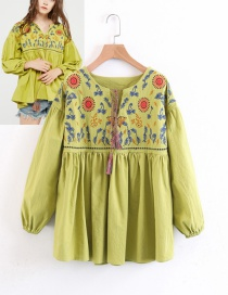 Fashion Yellow Embroidery Flower Decorated Shirt