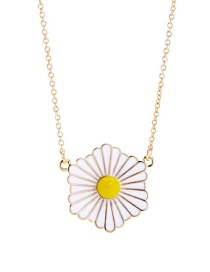 Lovely White Daisy Decorated Necklace