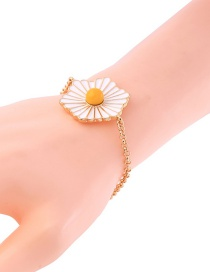 Fashion White Daisy Decorated Bracelet