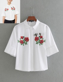 Fashion White Bee Shape Decorated Short Shirt