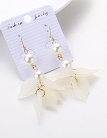 Elegant Beige Flower Shape Decorated Earrings
