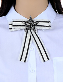 Fashion Black+white Star Shape Decorated Brooch