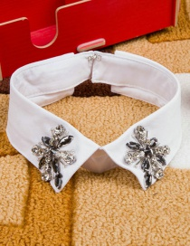 Fashion White Flower Shape Decorated Fake Collar