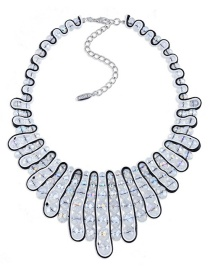 Vintage White Oval Shape Diamond Decorated Hand-woven Necklace