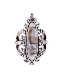 Vintage Silver Color Leaf Shape Decorated Ring