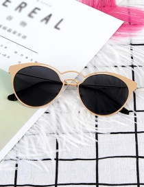Fashion Black Pure Color Decorated Sunglass