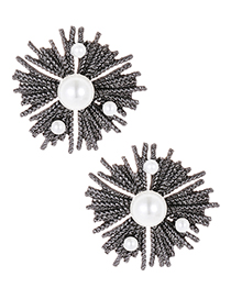 Fashion Gun Black Pearls Decorated Geometric Shape Earrings