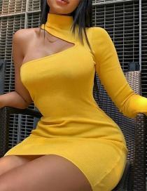 Fashion Yellow One-shoulder Design Pure Color Dress