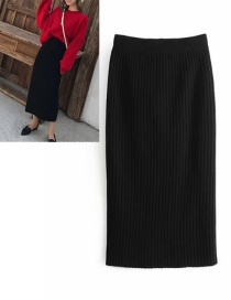 Fashion Black Pure Color Decorated Knitted Skirt