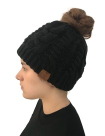 Fashion Black Label Decorated Pure Color Knitted Hat