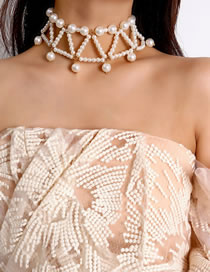 Vintage White Pearl Decorated Pure Color Choker