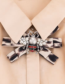 Fashion Beige Bee Shape Decorated Bowknot Brooch