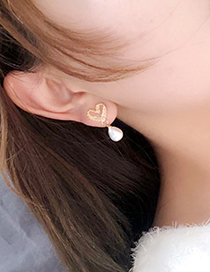 Fashion Gold Lace Hollow Love Pearl Earrings
