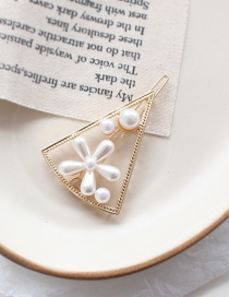 Fashion Triangle Pearl Daisy Flower Hair Clip