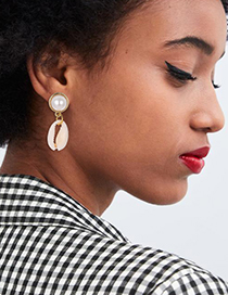 Fashion Gold Alloy Shell Pearl Earrings