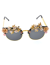 Fashion Black Embossed Flower-encrusted Butterfly Sunglasses