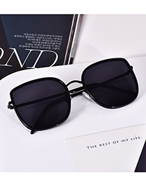 Fashion Black Alloy Resin Sunglasses