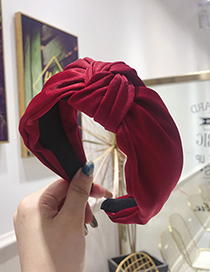 Fashion Red Knotted Headband In The Middle Of The Wide Side