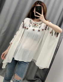 Fashion White Ball-embroidered Cloak