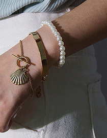 Fashion Gold Three-piece Round Geometric Pearl Scallop Gloss Bracelet Set