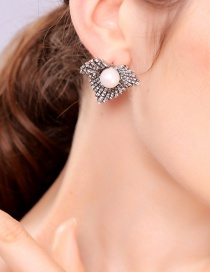 Fashion Leaf Section S925 Silver Pin Studded Pearl Earrings