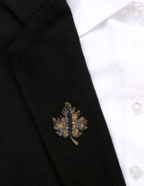 Fashion Gujin Alloy Maple Leaf Diamond Brooch