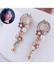 Fashion Champagne Pearl Flower Circle Pierced Earrings With Diamonds