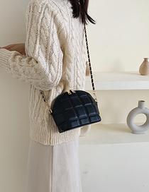 Fashion Black Shell Chain Embroidery Line Shoulder Messenger Bag