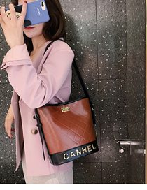 Fashion Brown Embroidery Bag Lock Shoulder Bag