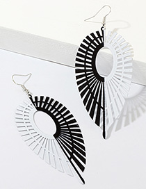 Fashion Black + White Symmetrical Drop-shaped Earrings With Leaves