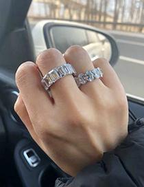 Anillo De Circón Con Diamantes Completos