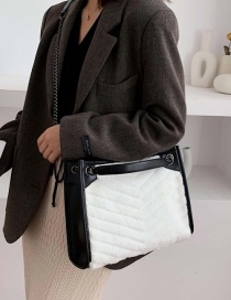 Fashion White Plush Chain Shoulder Messenger Bag